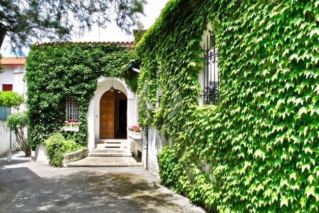 location-vacances-biarritz-maison-plein-centre-ville-terrasse-jardin-7-personnes-plein-sud-unique-rare-002