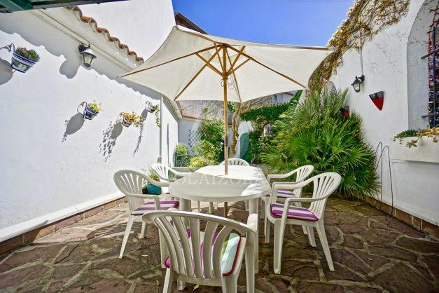 location-vacances-biarritz-maison-plein-centre-ville-terrasse-jardin-7-personnes-plein-sud-unique-rare-004