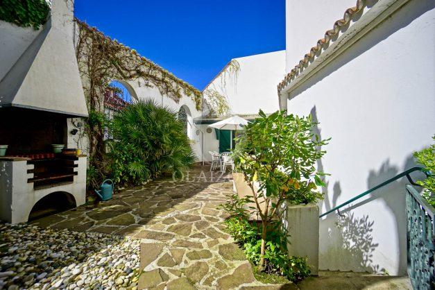 location-vacances-biarritz-maison-plein-centre-ville-terrasse-jardin-7-personnes-plein-sud-unique-rare-007