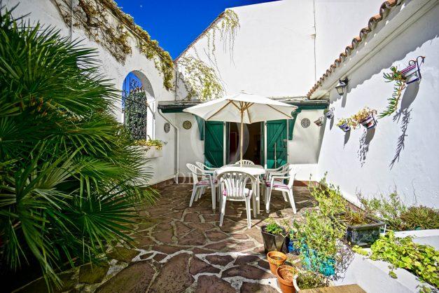 location-vacances-biarritz-maison-plein-centre-ville-terrasse-jardin-7-personnes-plein-sud-unique-rare-008