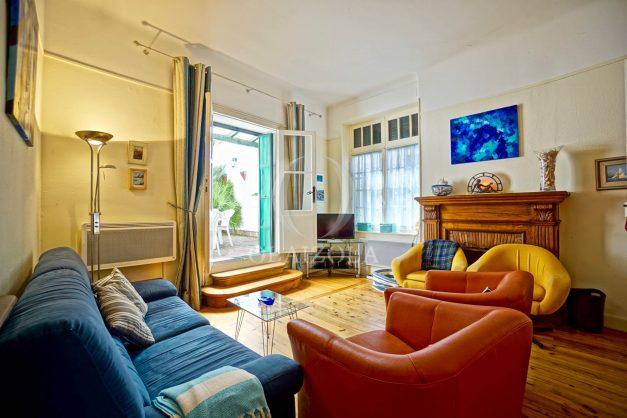 location-vacances-biarritz-maison-plein-centre-ville-terrasse-jardin-7-personnes-plein-sud-unique-rare-010
