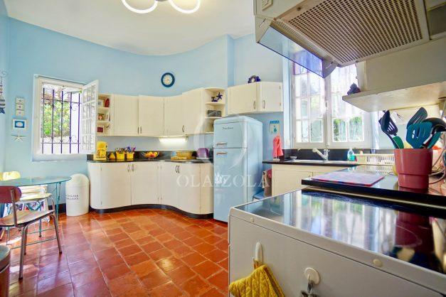 location-vacances-biarritz-maison-plein-centre-ville-terrasse-jardin-7-personnes-plein-sud-unique-rare-016