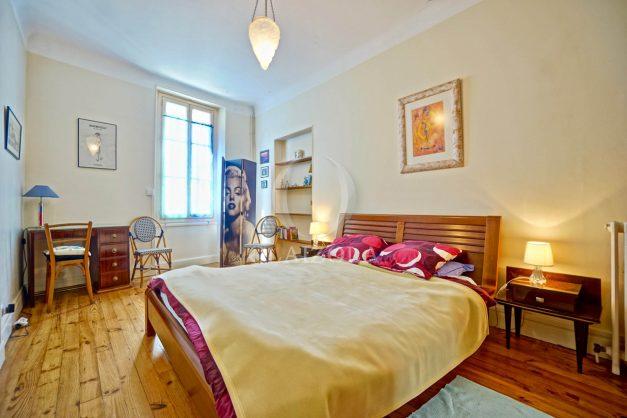 location-vacances-biarritz-maison-plein-centre-ville-terrasse-jardin-7-personnes-plein-sud-unique-rare-024