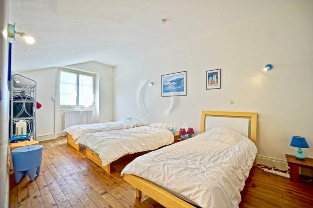 location-vacances-biarritz-maison-plein-centre-ville-terrasse-jardin-7-personnes-plein-sud-unique-rare-028