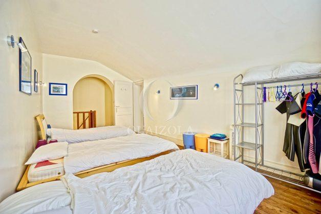 location-vacances-biarritz-maison-plein-centre-ville-terrasse-jardin-7-personnes-plein-sud-unique-rare-029
