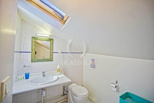 location-vacances-biarritz-maison-plein-centre-ville-terrasse-jardin-7-personnes-plein-sud-unique-rare-030