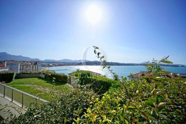 location-vacances-saint-jean-de-luz-vue-mer-spacieux-terrasse-parking-plein-sud-2019-002