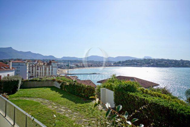 location-vacances-saint-jean-de-luz-vue-mer-spacieux-terrasse-parking-plein-sud-2019-003