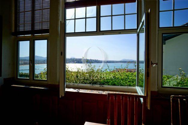location-vacances-saint-jean-de-luz-vue-mer-spacieux-terrasse-parking-plein-sud-2019-005
