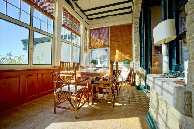 location-vacances-saint-jean-de-luz-vue-mer-spacieux-terrasse-parking-plein-sud-2019-007