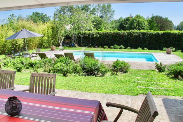 location-villa-luxe-biarritz-piscine-chauffee-calme-grand-terrain-009