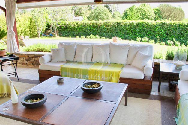 location-villa-luxe-biarritz-piscine-chauffee-calme-grand-terrain-012