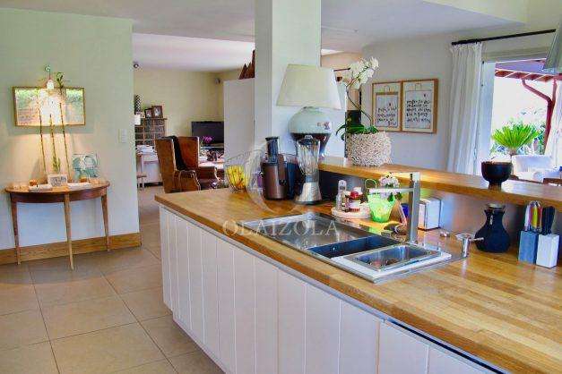 location-villa-luxe-biarritz-piscine-chauffee-calme-grand-terrain-017