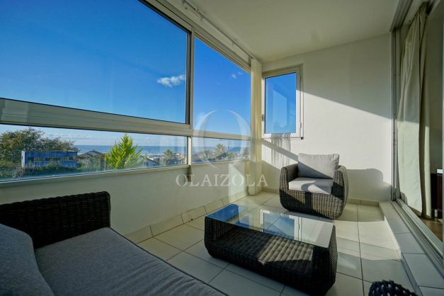 appartement-vue-mer-anglet-chambre-d-amour-location-vacances-biarritz-terrasse-parking-standing-plage-a-pied-2019-006