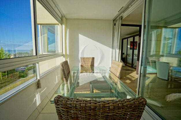 appartement-vue-mer-anglet-chambre-d-amour-location-vacances-biarritz-terrasse-parking-standing-plage-a-pied-2019-017