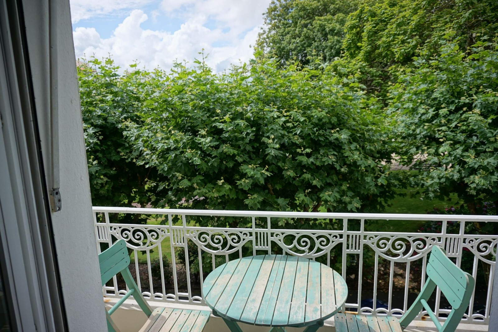 Vue degagee sur le jardin public agence olaizola for Jardin balcon appartement