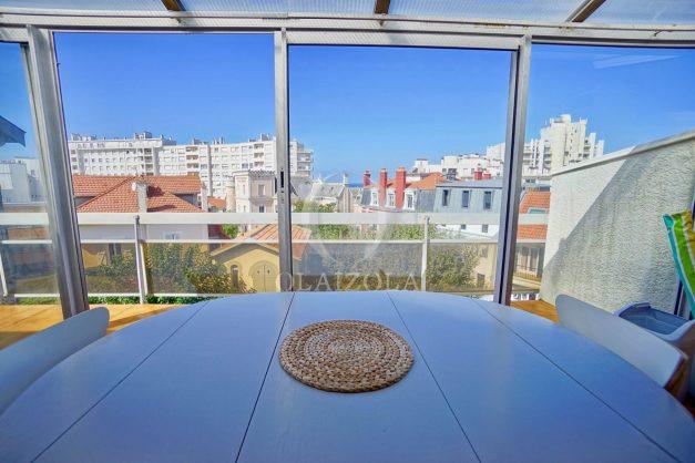 location-vacances-biarritz-appartement-vue-mer-2-chambres-terrasse-veranda-plage-a-pied-vacances-de-reve-2019-006