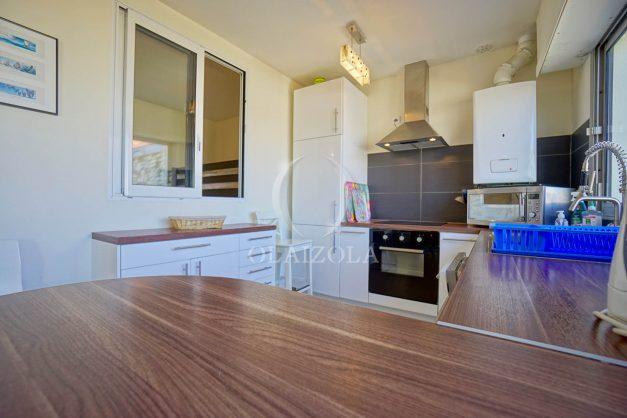 location-vacances-biarritz-appartement-vue-mer-2-chambres-terrasse-veranda-plage-a-pied-vacances-de-reve-2019-023