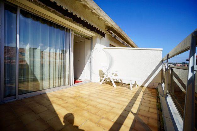 location-vacances-biarritz-appartement-vue-mer-2-chambres-terrasse-veranda-plage-a-pied-vacances-de-reve-2019-030