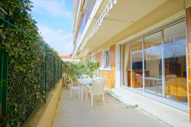 location-vacances-biarritz-appartement-terrasse-parking-proche-centre-ville-plage-a-pied-001