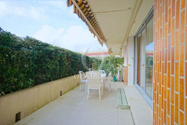 location-vacances-biarritz-appartement-terrasse-parking-proche-centre-ville-plage-a-pied-002