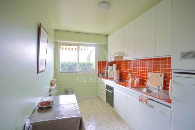 location-vacances-biarritz-appartement-terrasse-parking-proche-centre-ville-plage-a-pied-011