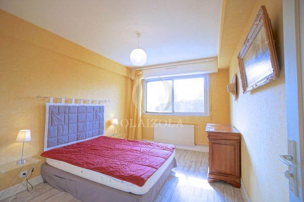 location-vacances-biarritz-appartement-terrasse-parking-proche-centre-ville-plage-a-pied-012