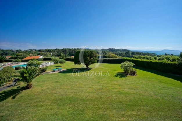 location-vacances-T3-Bidart-piscine-vue-mer-ilbarritz-parking-plage-a-pied-MAEVA-001