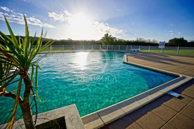 location-vacances-T3-Bidart-piscine-vue-mer-ilbarritz-parking-plage-a-pied-MAEVA-010