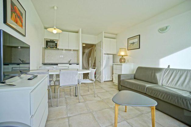 location-vacances-T3-Bidart-piscine-vue-mer-ilbarritz-parking-plage-a-pied-MAEVA-016
