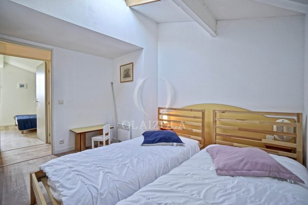 location-vacances-T3-Bidart-piscine-vue-mer-ilbarritz-parking-plage-a-pied-MAEVA-021