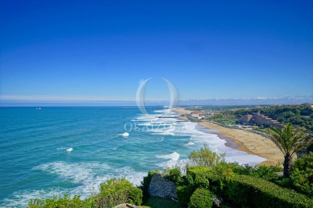 location-vacances-biarritz-vue-mer-anglet-studio-face-phare-terrasse-parking-001