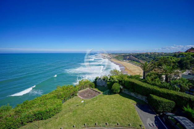 location-vacances-biarritz-vue-mer-anglet-studio-face-phare-terrasse-parking-002