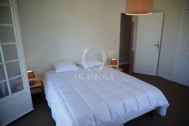 locatiion-vacances-urrugne-pays-basque-cote-plage-villa-10-personnes-tennis-piscine-jardin-027