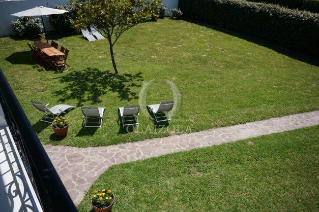 locatiion-vacances-urrugne-pays-basque-cote-plage-villa-10-personnes-tennis-piscine-jardin-034