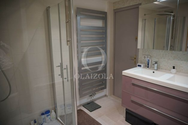 location-vacances-biarritz-appartement-souplexe-centre-ville-moderne-ideal-famille-plage-a-pied-018