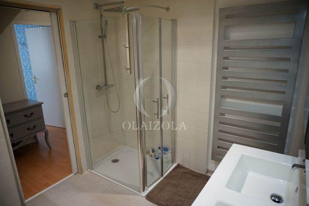 location-vacances-biarritz-appartement-souplexe-centre-ville-moderne-ideal-famille-plage-a-pied-019
