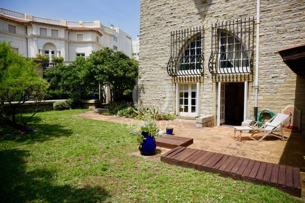 location-vacances-biarritz-vue-mer-biarritz-jardin-parking-miramar-centre-ville-plages-a-pied-011