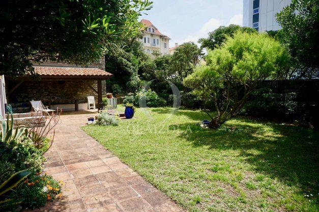 location-vacances-biarritz-vue-mer-biarritz-jardin-parking-miramar-centre-ville-plages-a-pied-014