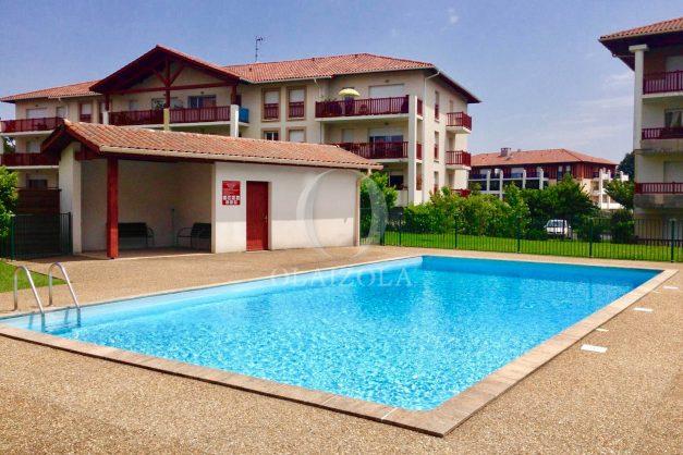 location-vacances-ciboure-appartement-proche-plage-centre-ville-piscine-terrasse-parking-001