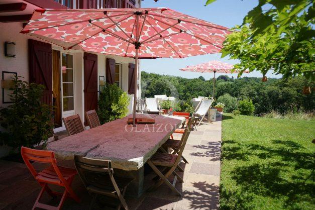 location-vacances-ciboure-urrugne-villa-jardin-campagne-parking-4-chambres-terrasse-plein-sud-ensoleillee-005