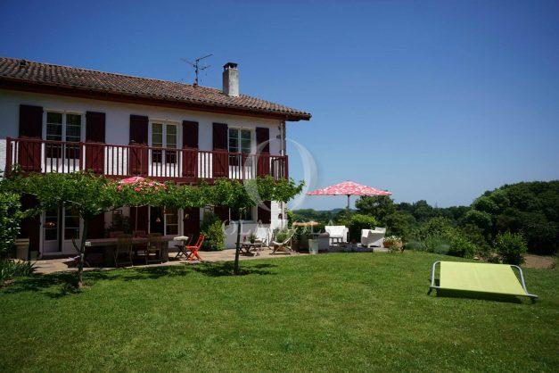 location-vacances-ciboure-urrugne-villa-jardin-campagne-parking-4-chambres-terrasse-plein-sud-ensoleillee-011