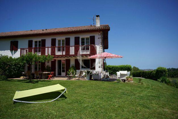 location-vacances-ciboure-urrugne-villa-jardin-campagne-parking-4-chambres-terrasse-plein-sud-ensoleillee-013