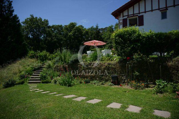 location-vacances-ciboure-urrugne-villa-jardin-campagne-parking-4-chambres-terrasse-plein-sud-ensoleillee-015