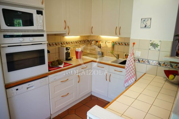 location-vacances-ciboure-urrugne-villa-jardin-campagne-parking-4-chambres-terrasse-plein-sud-ensoleillee-023