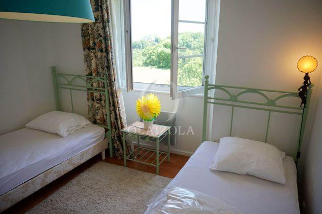 location-vacances-ciboure-urrugne-villa-jardin-campagne-parking-4-chambres-terrasse-plein-sud-ensoleillee-037