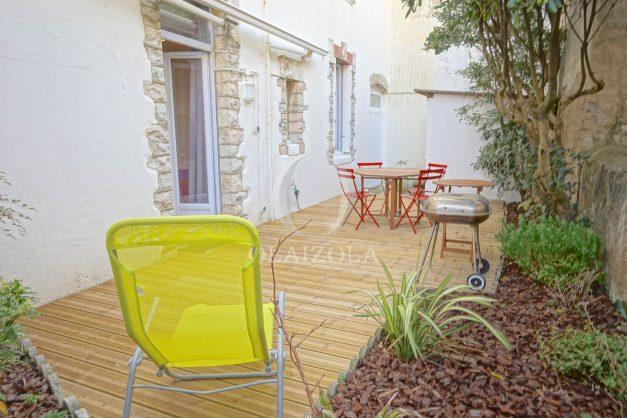 location-vacances-biarritz-appartement-terrasse-garage-scooter-centre-ville-proche-grande-plage-jardin-002