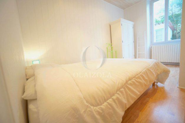 location-vacances-biarritz-appartement-terrasse-garage-scooter-centre-ville-proche-grande-plage-jardin-007