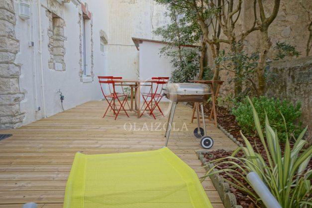 location-vacances-biarritz-appartement-terrasse-garage-scooter-centre-ville-proche-grande-plage-jardin-014