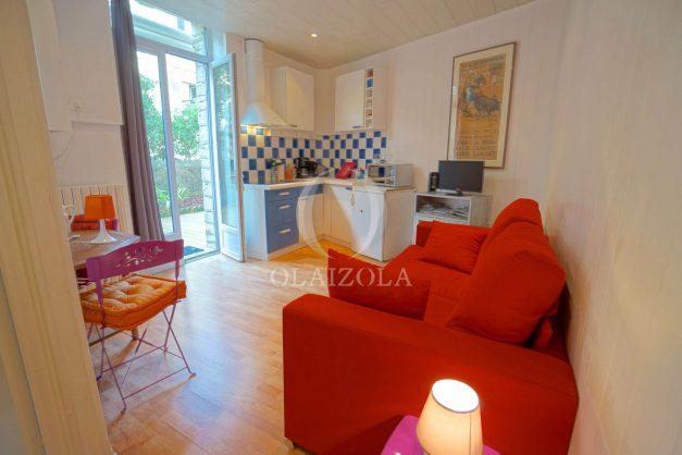 location-vacances-biarritz-appartement-terrasse-garage-scooter-centre-ville-proche-grande-plage-jardin-018